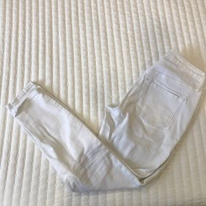 MOSSIMO WHITE JEANS- CROPS